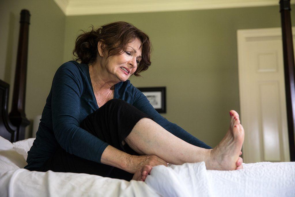 4 Tips For Treating Plantar Fasciitis Foot Pain Naturally