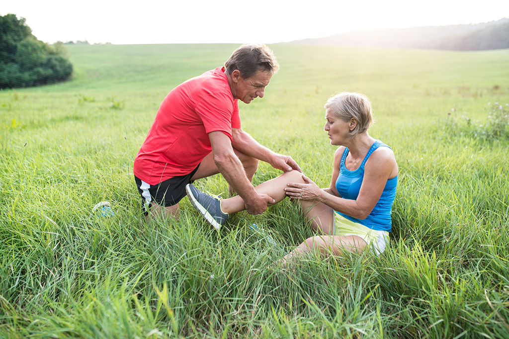 Find Relief From Knee Arthritis At Warner Orthopedics & Wellness